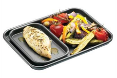 Baking tray with meat and veg